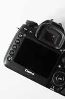 canon-5d-mark-iv-3